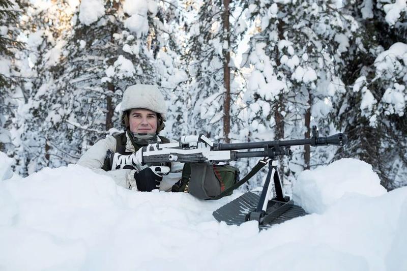Swedish Armed Forces/Försvarsmakten - Page 13 23928