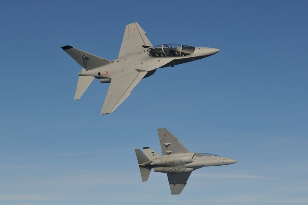 Aermacchi M-346 advanced jet trainer - Page 2 24020