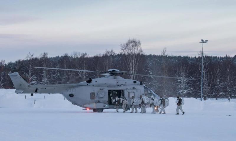 Swedish Armed Forces/Försvarsmakten - Page 13 24054