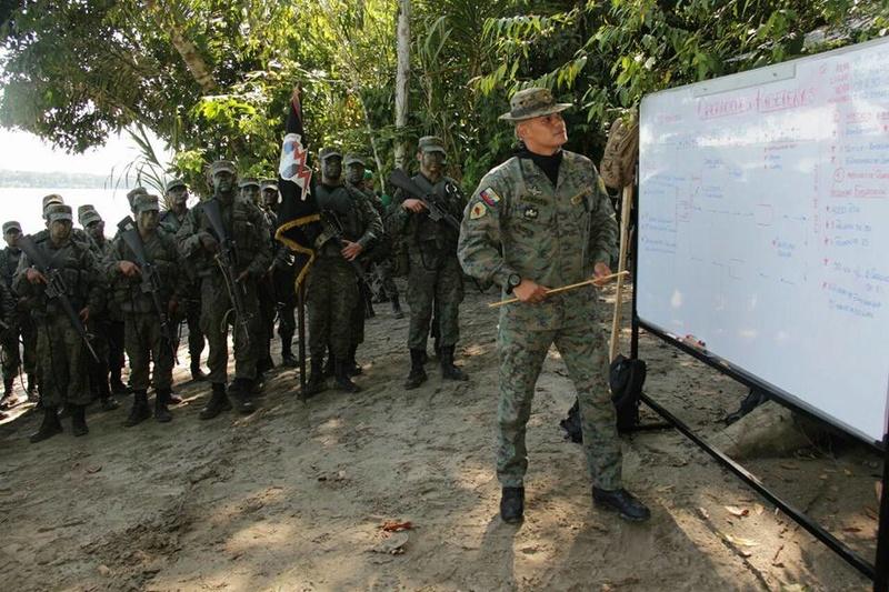 Armée Equatorienne/Fuerzas Armadas del Ecuador - Page 5 2411