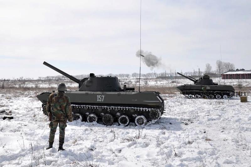Forces armées moldaves - Page 2 24160