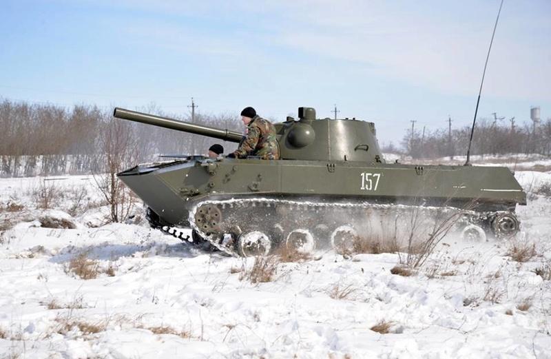 Forces armées moldaves - Page 2 24253