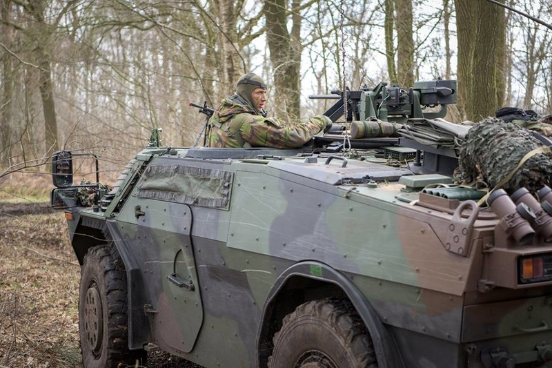 Armée Hollandaise/Armed forces of the Netherlands/Nederlandse krijgsmacht - Page 21 24264