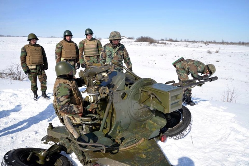 Forces armées moldaves - Page 2 24450