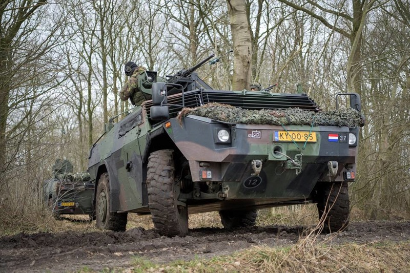 Armée Hollandaise/Armed forces of the Netherlands/Nederlandse krijgsmacht - Page 21 24545