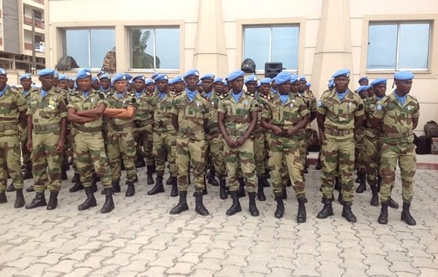 Armée du Gabon - Page 5 24613