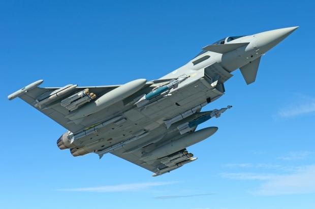 EF2000 Typhoon - Page 23 25915