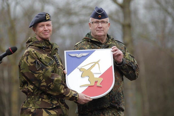 Armée Hollandaise/Armed forces of the Netherlands/Nederlandse krijgsmacht - Page 21 26013
