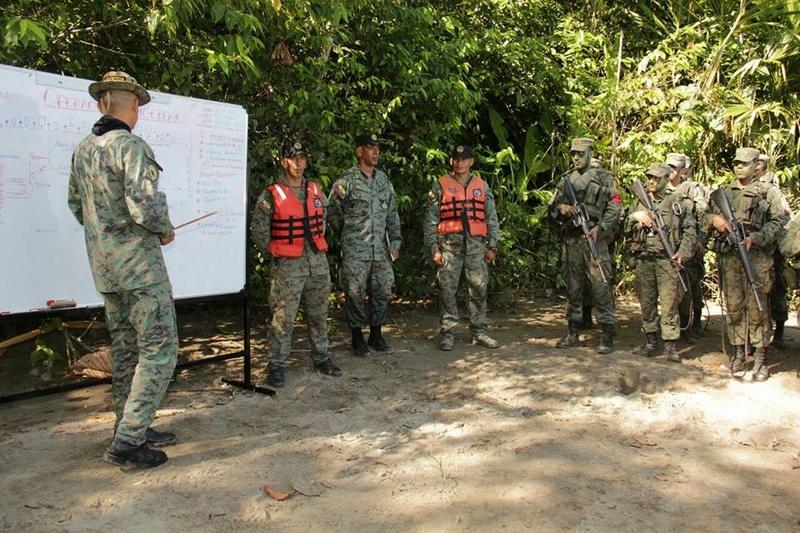 Armée Equatorienne/Fuerzas Armadas del Ecuador - Page 5 2615