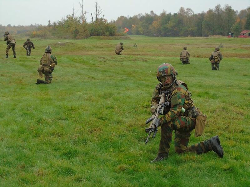 Armée Belge / Defensie van België / Belgian Army  - Page 13 2752