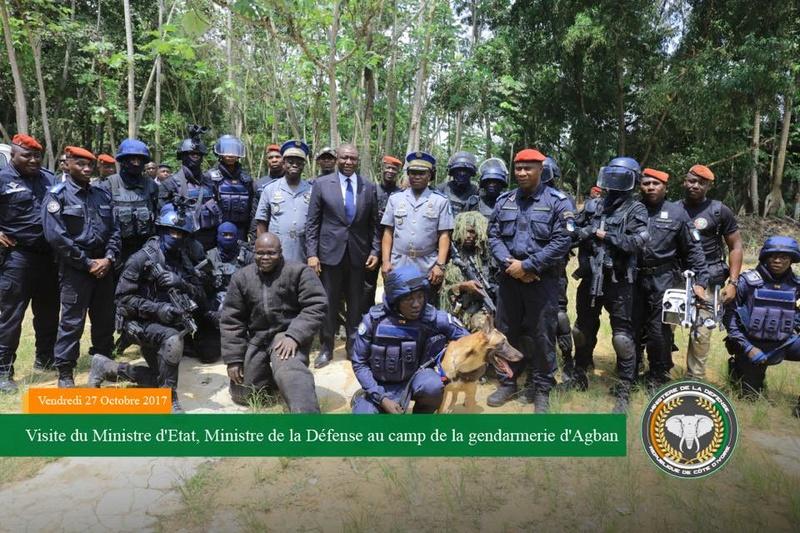 Les Forces de défense et de sécurité de Côte d'Ivoire - Page 5 2853