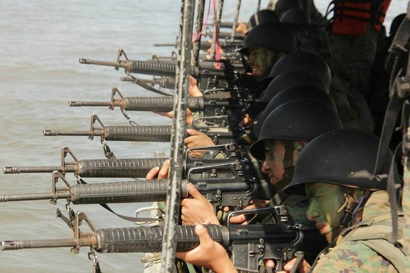 Armée Equatorienne/Fuerzas Armadas del Ecuador - Page 5 2914
