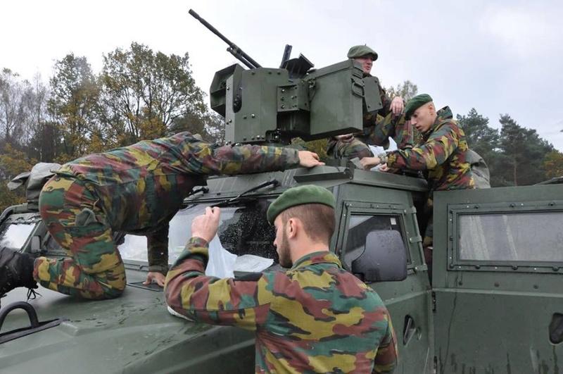 Armée Belge / Defensie van België / Belgian Army  - Page 13 2940