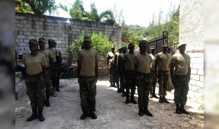 Forces armées d'Haïti (FADH) / Armed Forces of Haiti 30114