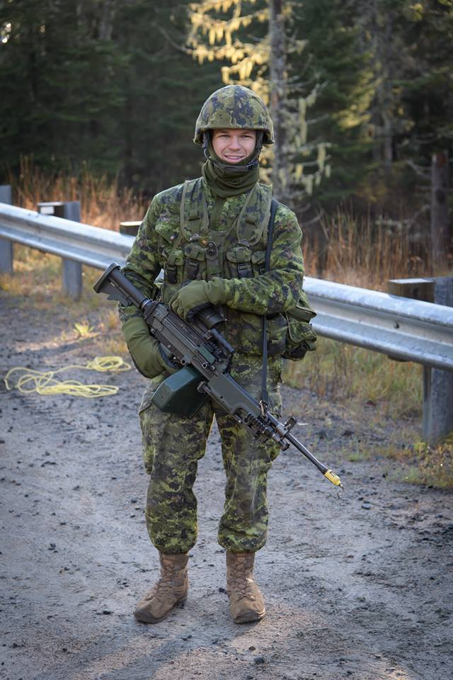 Armée canadienne/Canadian Armed Forces - Page 27 3044