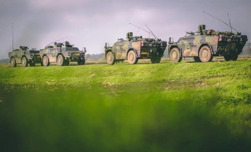 Armée Hollandaise/Armed forces of the Netherlands/Nederlandse krijgsmacht - Page 20 3059