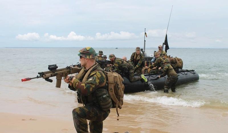 Armée Belge / Defensie van België / Belgian Army  - Page 13 3112