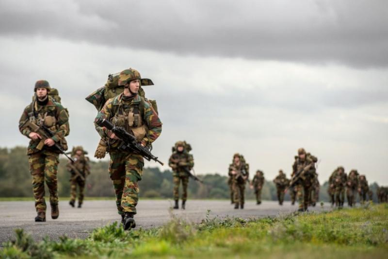 Armée Belge / Defensie van België / Belgian Army  - Page 13 3320