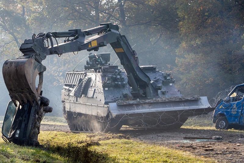 Armée Hollandaise/Armed forces of the Netherlands/Nederlandse krijgsmacht - Page 20 3416