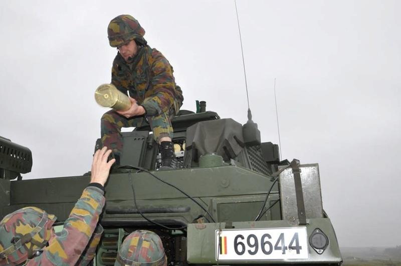 Armée Belge / Defensie van België / Belgian Army  - Page 13 3717