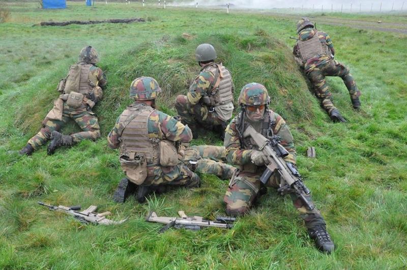 Armée Belge / Defensie van België / Belgian Army  - Page 13 3815