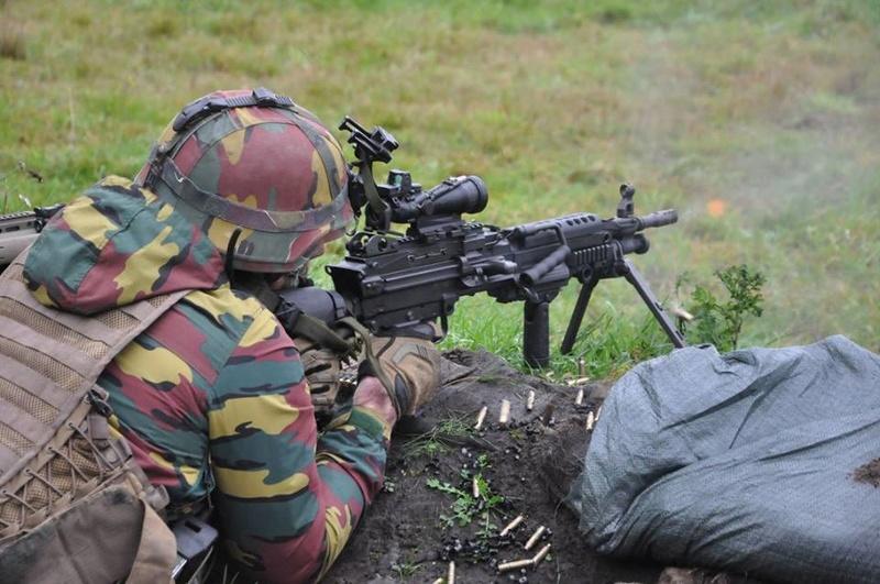 Armée Belge / Defensie van België / Belgian Army  - Page 13 3914