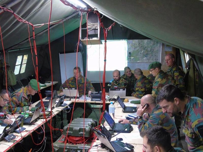 Armée Belge / Defensie van België / Belgian Army  - Page 13 4211