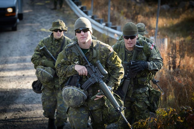 Armée canadienne/Canadian Armed Forces - Page 27 4213