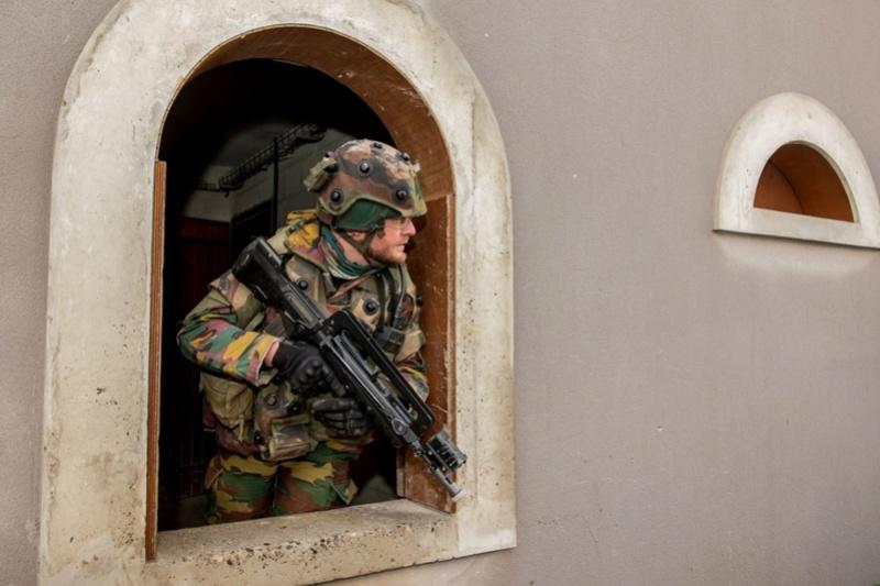Armée Belge / Defensie van België / Belgian Army  - Page 13 5228