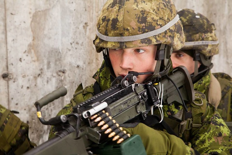 Armée canadienne/Canadian Armed Forces - Page 28 5830