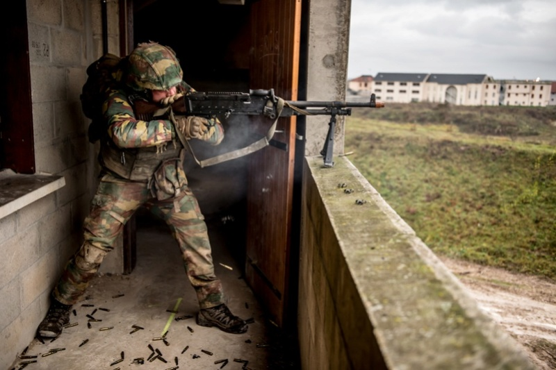 Armée Belge / Defensie van België / Belgian Army  - Page 13 6412