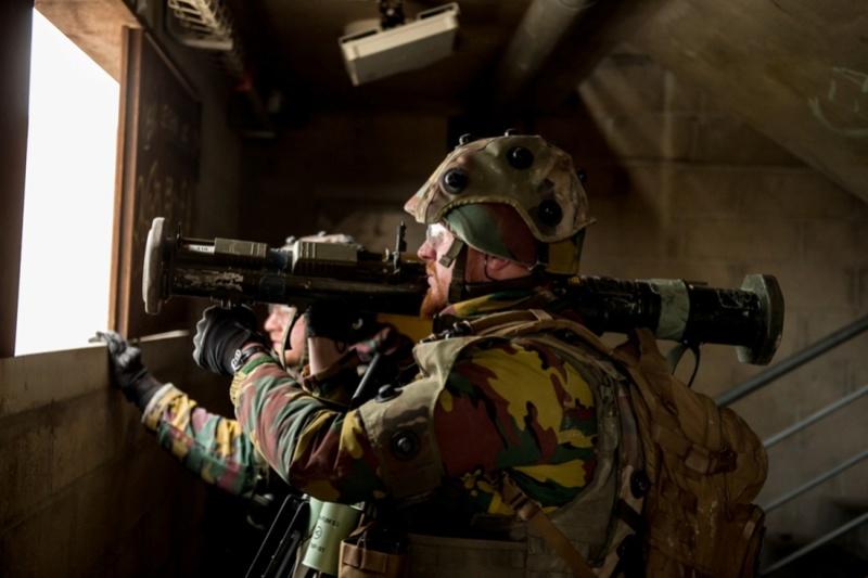 Armée Belge / Defensie van België / Belgian Army  - Page 13 6512