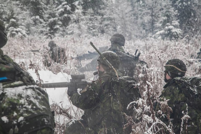Armée canadienne/Canadian Armed Forces - Page 28 7411