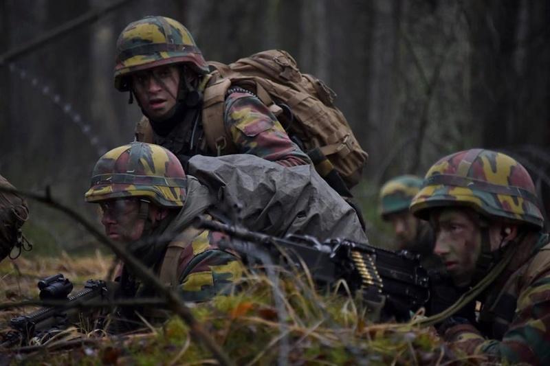 Armée Belge / Defensie van België / Belgian Army  - Page 14 8343