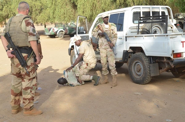 Armée Malienne / Armed and Security Forces of Mali - Page 15 83a46