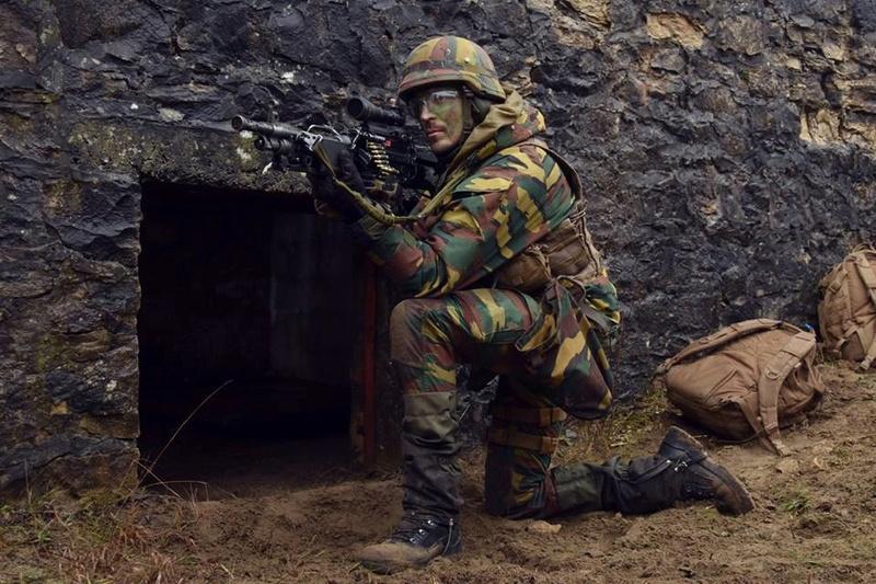 Armée Belge / Defensie van België / Belgian Army  - Page 14 83b51