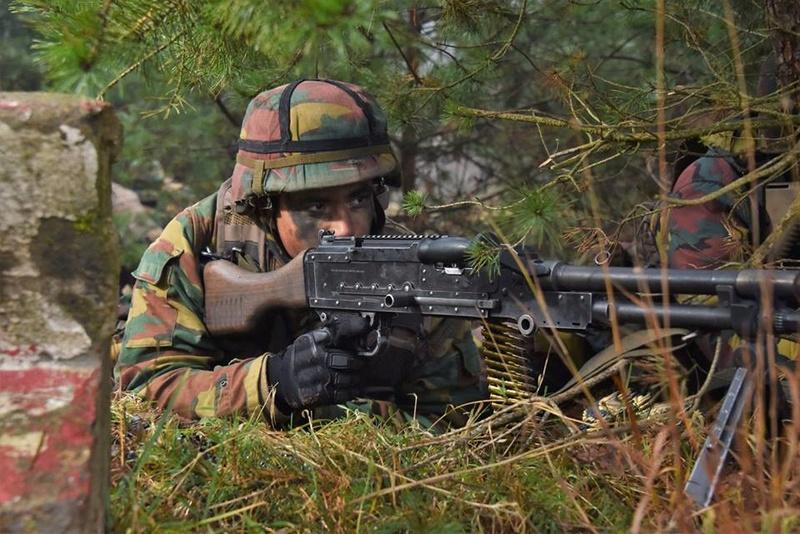 Armée Belge / Defensie van België / Belgian Army  - Page 14 83d60