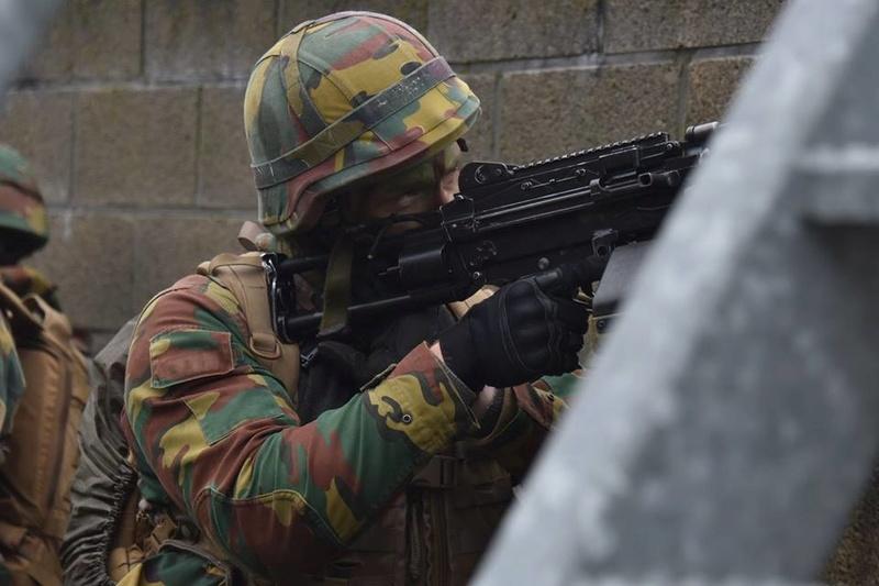 Armée Belge / Defensie van België / Belgian Army  - Page 14 83f64