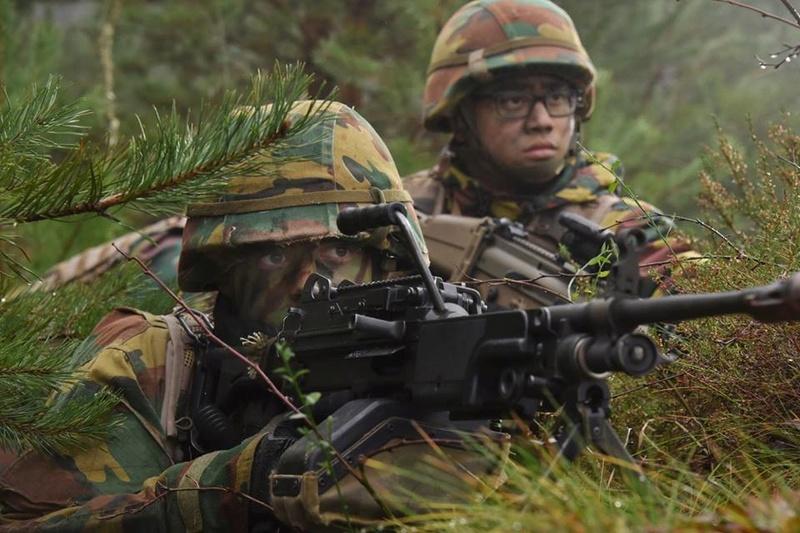 Armée Belge / Defensie van België / Belgian Army  - Page 14 83f65