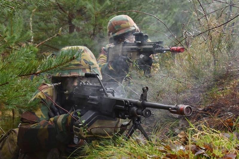 Armée Belge / Defensie van België / Belgian Army  - Page 14 83g60
