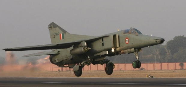 Armée Indienne / Indian Armed Forces - Page 22 83h33
