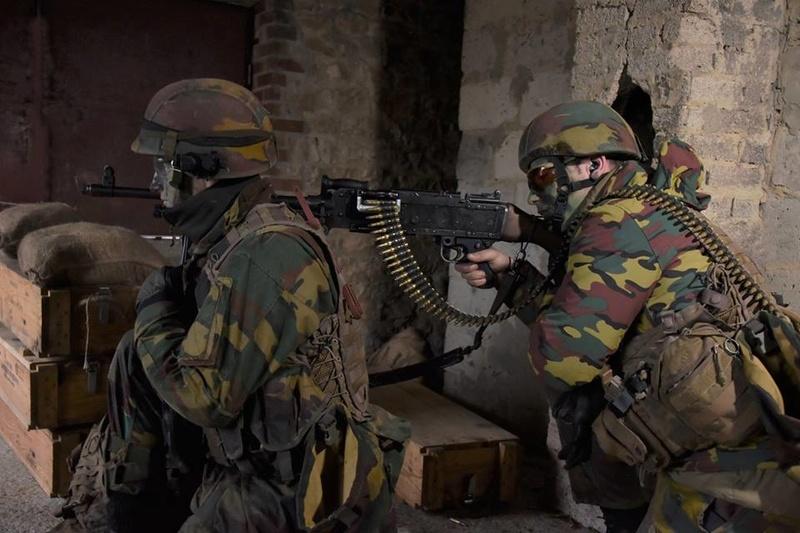 Armée Belge / Defensie van België / Belgian Army  - Page 14 83h62