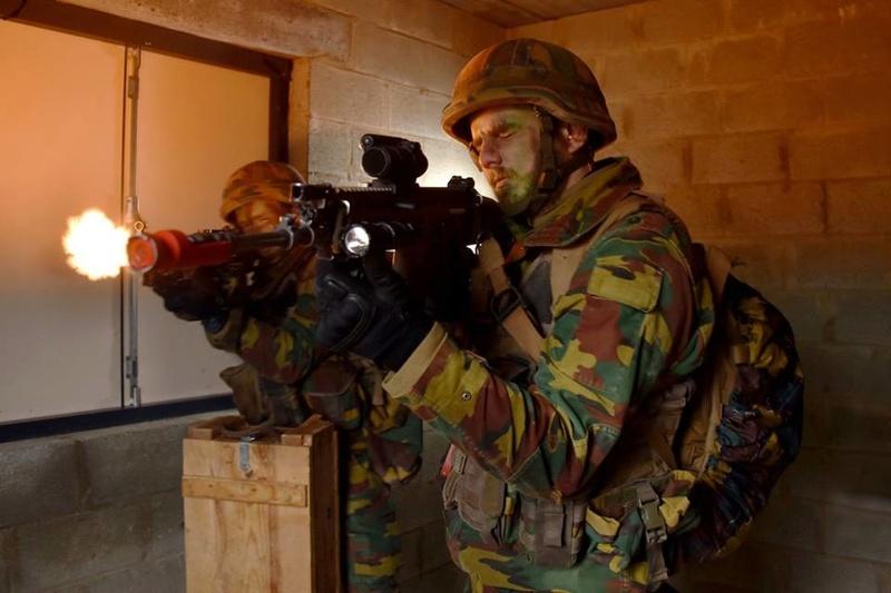 Armée Belge / Defensie van België / Belgian Army  - Page 14 83h63