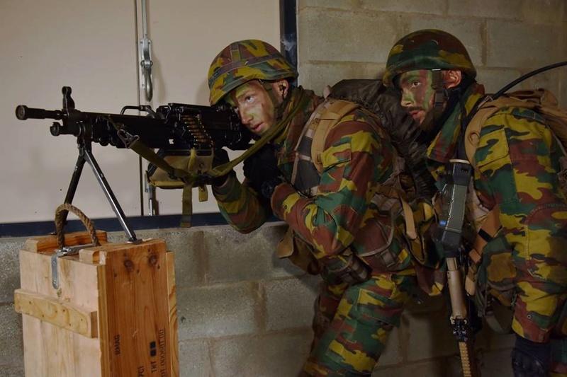 Armée Belge / Defensie van België / Belgian Army  - Page 14 83i52