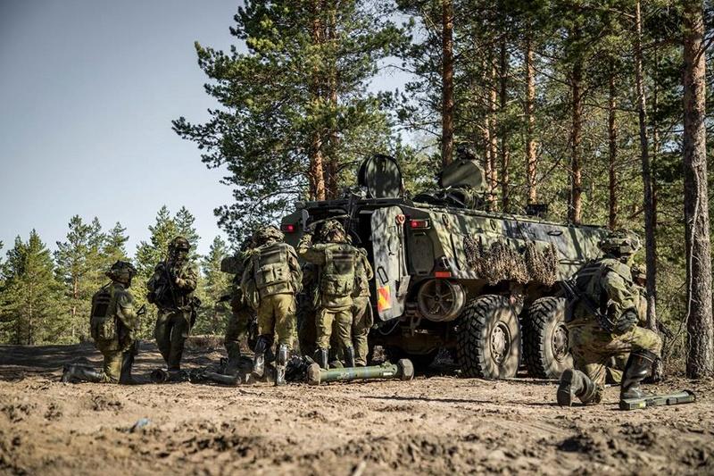 Armée Finlandaise / Finnish Defence Forces / puolustusvoimat - Page 9 923