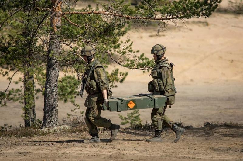 Armée Finlandaise / Finnish Defence Forces / puolustusvoimat - Page 9 930