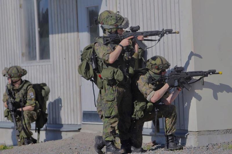 Armée Finlandaise / Finnish Defence Forces / puolustusvoimat - Page 9 936