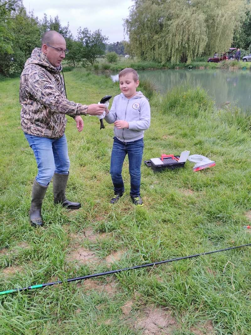 Journée pêche le 19 mai  Img_2059