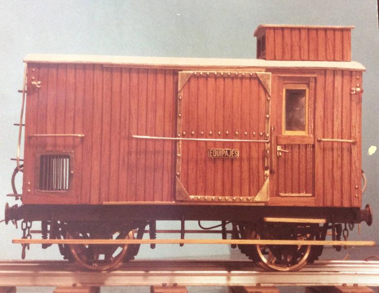 Furgo sèrie 1 a 6 del tren d'Olot A_1511