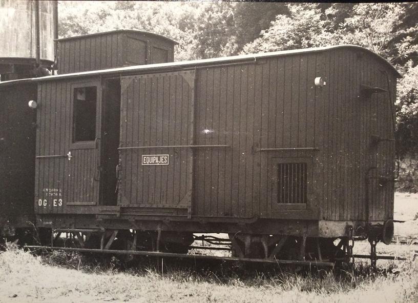 Furgo sèrie 1 a 6 del tren d'Olot A_219
